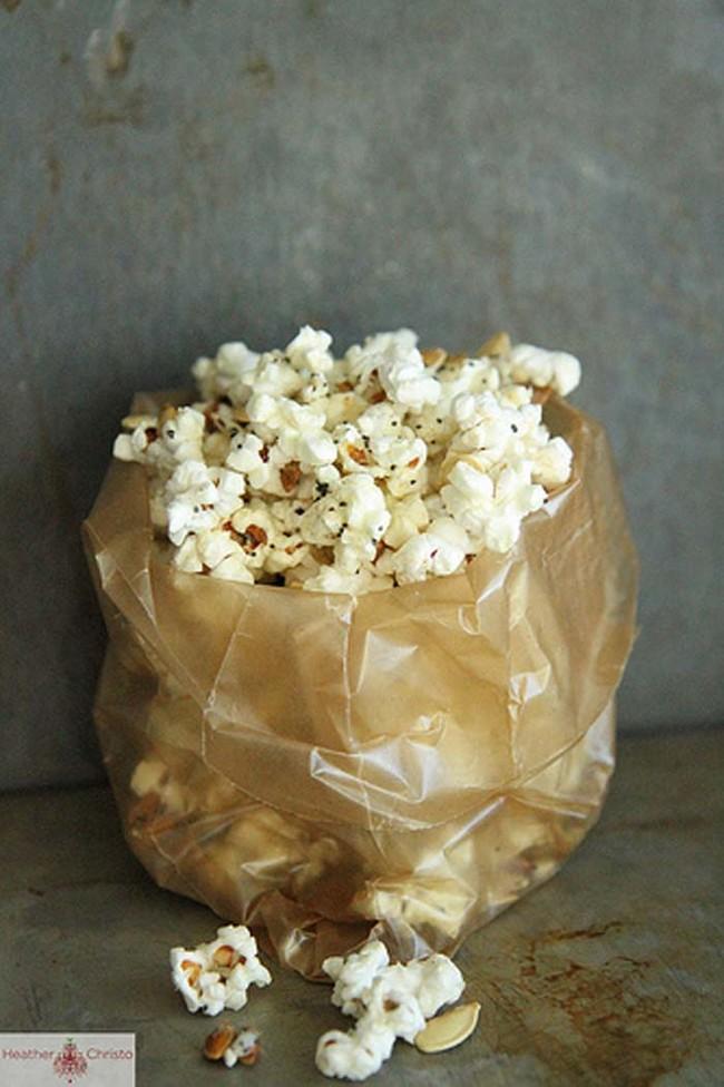 Popcorn med kakor och choklad? Du måste prova de här popcornrecepten redan idag!
